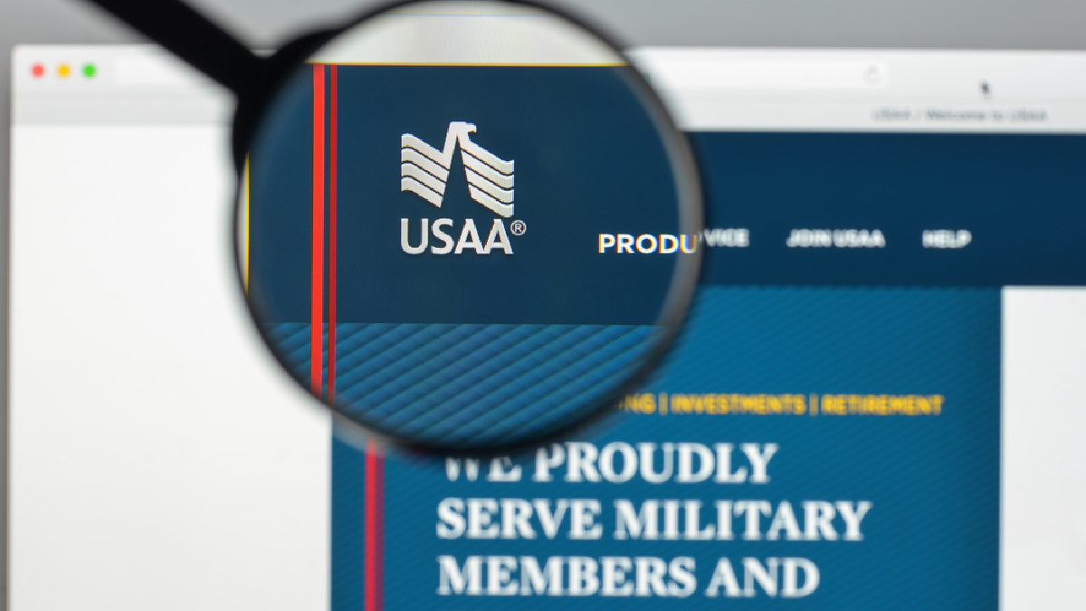 What is the USAA Car Rental Discount?